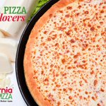 You think this #Pizza is #Flirty? Its so #hot that everyone loves to have it! #CaliforniaPizza #Karachi #ManyLovers http://t.co/GGwcOhBPaP