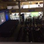 Ahorita en el escenario magistral de #CPSLV1, un cortometraje. @campuspartySLV http://t.co/4AFrnHNPdo