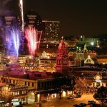 A great shot of the @KCPLPlazaLights from @KCStar http://t.co/ckCtQkQfUH