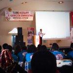 Türk Kızılayı Genel Müdür Yardımcımız Gönüllülük Üzerine Sunum Yapıyor @TurkKizilayi @KizilayGencligi @ktukizilay http://t.co/cy0lERB8Eo