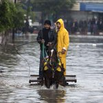 UN declares state of emergency in #Gaza after heavy rain http://t.co/VIrL2rbien http://t.co/505lFoWkJH