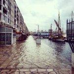 Encore quelques jours de pluie et l@HotelAmiraute sera au bord de mer #Toulon http://t.co/S6ppwkD6Uh