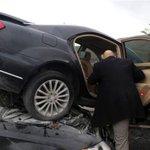 Bahçelinin Konvoyunda Kaza http://t.co/cgIXijH8nY http://t.co/AcRpGJngLq