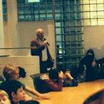 Staat # Herman Kriek daar te zingen ? Goed bezig !!! Kinderen met goede ideeën voor #schiedam http://t.co/r2LeezldJZ