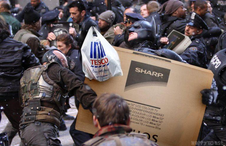 Just got back from @Tesco, it's unbelievable how angry everyone is #BlackFriday #AnatchyintheUK http://t.co/kfuF1aylne