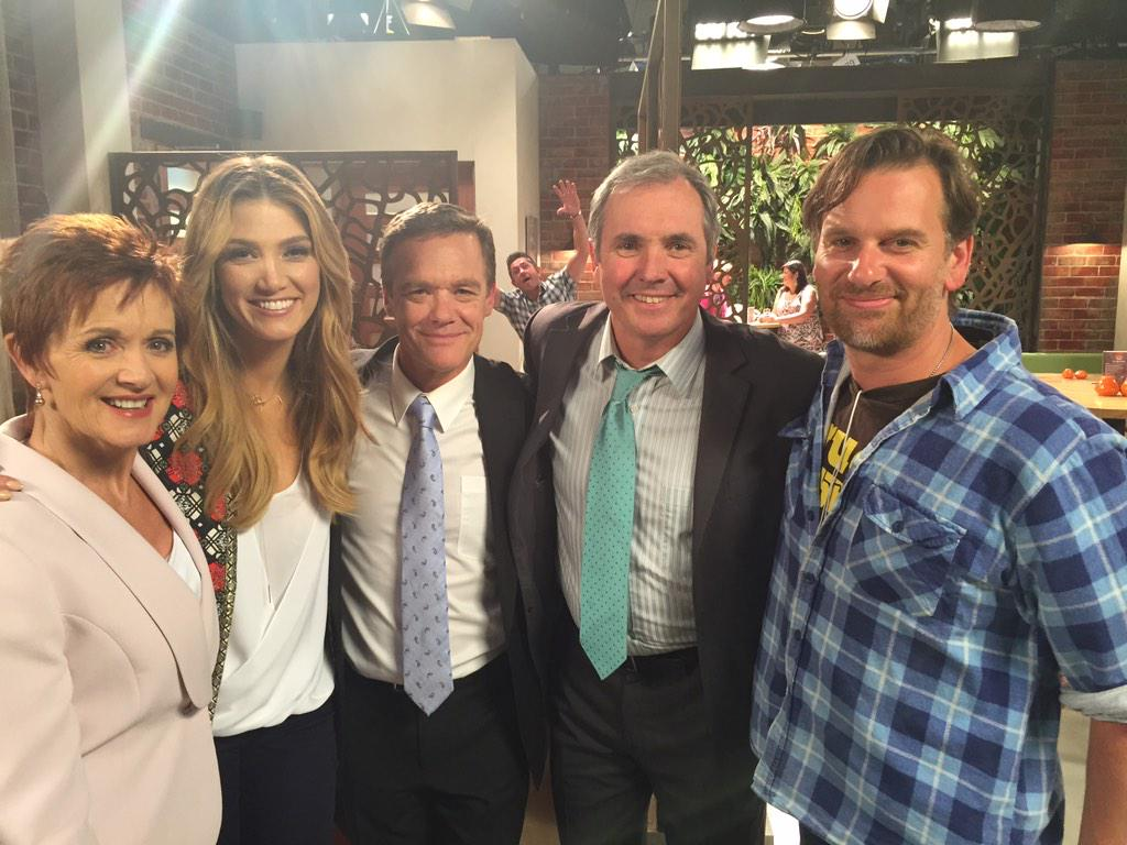 Working with @DeltaGoodrem again has been one of the highlights of an amazing year on @neighbours . #30thanniversary http://t.co/SEBOnBtoLR