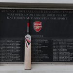 A tribute to Australian cricketer Phillip Hughes at the training ground this morning #PutOutYourBats #RIPPhilHughes http://t.co/qkA8cVRP39