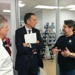 Il Presidente @telecomitalia Recchi saluta le #startup #wcap Catania prima dellarrivo del Premier @matteorenzi. http://t.co/6159xbaf6T