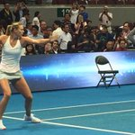 Sports inspiration before my very eyes! ???????????? #IPTL #MariaSharapova http://t.co/aFUjVPq5kW