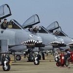 """#الولايات_المتحدة تنشر طائرات A-10 """"الأكثر رعباً"""" في #العراق! http://t.co/VZjprQBLaB http://t.co/heOWdRdtQ1"""