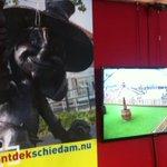 Uiteraard is @ProosjeSchiedam ook aanwezig in Studio Winterlandschie van #popuptv #schiedam http://t.co/CkbRIkjkNM