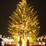 【明日から】横浜・赤レンガ倉庫で「クリスマスマーケット」開催 - 会場の様子を一足先に公開 http://t.co/uvu3JYftMY http://t.co/e2tPa6zCnl