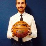 .@aperdichizzi: più di una palla, il simbolo della #community #makeinsouth @workingcapital @TIM_Ventures http://t.co/nb0vlDoXqK