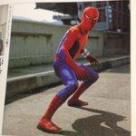 東映版スパイダーマン、実は私長いことヒーロー大百科的な本でしか存在を知らなくて、それでもその中の一冊「創刊20周年記念 新訂増補テレビマガジンヒーロー大全集」でのスチル写真で、彼が赤く塗ったうわばきを履いていたのは強烈に記憶に残ったぞ http://t.co/41RTwv6MtL