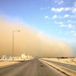 A sandstorm has hit Al Khor. Photo sent to us a few minutes ago by Sunil Alapatt.  Any QLers in Al Khor now? http://t.co/SeXDNc7Hc5