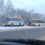 Авария на московском напротив аквамолла в сторону центра #ulway http://t.co/TYhoMk56ST