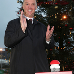 [Picture] Louis van Gaal officially unveils the Old Trafford Christmas tree. #MUFC http://t.co/GMPK0qbAxs