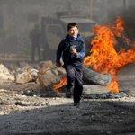 من موجهات #كفر_قدوم اليوم ؛ #فلسطين_تقاوم http://t.co/9LxNJw10sr