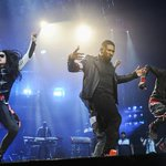 #Vancouver, how great was Usher last night?! http://t.co/4xb0wdI6Wi @Usher http://t.co/nQx10uInqu