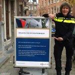 Het stoepbord is klaar. Maandag gaat het Pop-up Politiebureau open. Bewoners kunnen dan naar de #pup #gers #Rotterdam http://t.co/DTb9fbpGbK