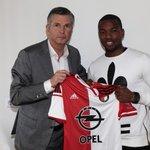 Een dag na de overwinning op Sevilla volgt er voor @miquelnelom een nieuw hoogtepunt: hij tekende een nieuw contract. http://t.co/iI5iSnEXdd
