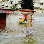 يا جماعة قولوا للفصائل اللي فاوضوا على نصر #غزة الميناء صار جاهز بس ضايل المطار !!  #غزة_تغرق http://t.co/VAWrwvZmal
