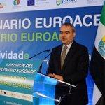 Vocación y compromiso transfronterizo de #Badajoz reflejado en II Plenario de la Euroace, con el presidente #Monago http://t.co/ur0xL9BOJl