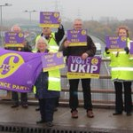 Scrap the Tolls: UKIPs national day of action included a demo at the M6 toll. Lots of honking horns giving support! http://t.co/Wdi6OzMRUT