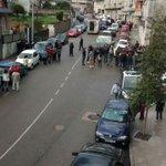 Fuentes policiales apuntan a dos agentes de la Policía Nacional heridos, una muy grave, y atracador fallecido #Vigo http://t.co/ofGJqdgVdH