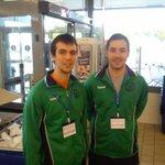 Jugadores de nuestro club colaborando con el banco de alimentos de Badajoz en la recogida de los mismos, #Colabora http://t.co/hENBgBPvP4