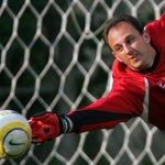 Sem aposentadoria para Rogério Ceni: goleiro renova com São Paulo http://t.co/2f6w51dtSS http://t.co/LbPfpsvfbT