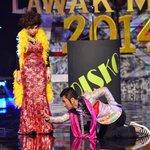 Amacam SYJ dengan Shake malam ni kat #MLM2014 ? Kredit foto dari @MaharajaLawak http://t.co/H3yo2gX8zw