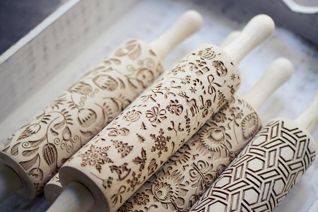 These engraved rolling pins make the prettiest biscuits we have ever seen. http://t.co/c4YF8sX1Tn http://t.co/1wpRtQEggh