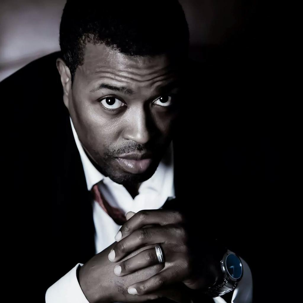@MrChuckD Tracey Lee, hip-hop attorney, delivers sound advice. Great interview by @CM_Writer. http://t.co/oOl3Vo0COa http://t.co/ma5SuwRhCz