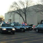 #BlackFriday fight at Annapolis Mall causes panic: http://t.co/fatz7wkCLW. (Photo: @frenchvision) #DMV http://t.co/PlXZVrv4nv