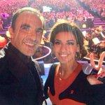 """""""@nikosaliagas: Sur la scène du #palaisdessports pour #alorsonchante @tf1 avec @talofficial #kissandlove http://t.co/dPwHJ70MCb"""""""