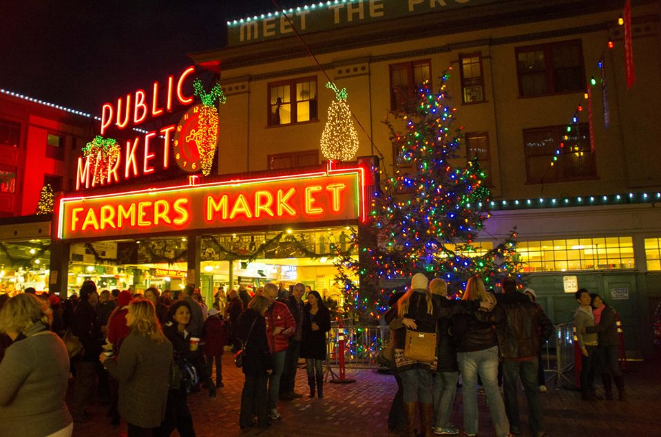 We love how @pike_place market and @downtownseattle sparkle during the holidays! http://t.co/pXcrSij8o5