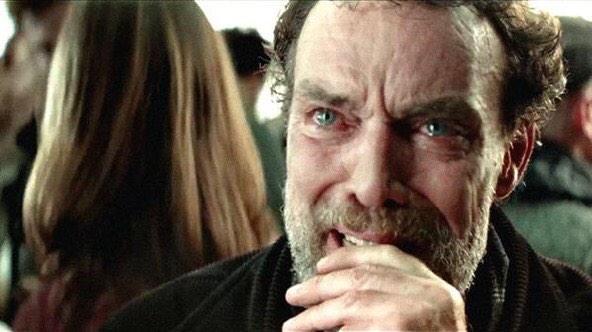 Mi reacción al ver el Halcón Milenario en el trailer de Star Wars Episodio VII http://t.co/Cx2NAnfCxg