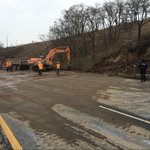 .Hwy 403 update: crews will put up concrete barriers & wash and salt road & try to open for traffic today http://t.co/wemNVJP5Iy