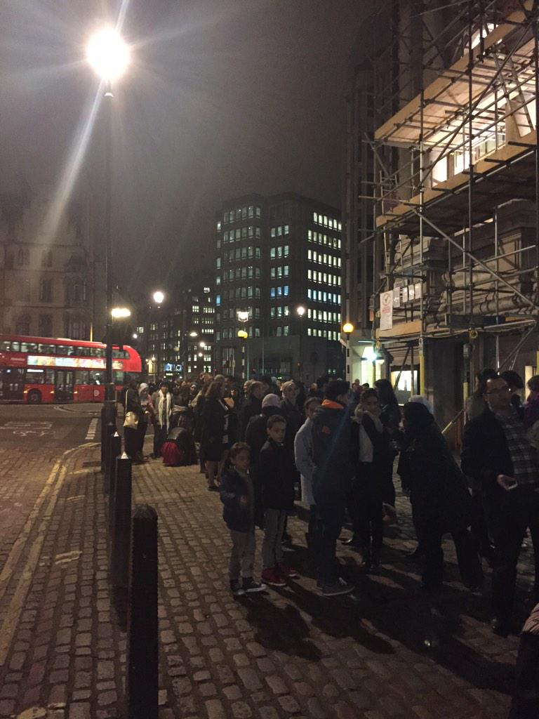 Crowds gathering for the first ever @MohammedAssaf89 concert in London raising funds for MAP http://t.co/hxhx9egBry