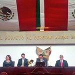 Gobernador @Paco_Olvera presente en Sesión del @congresohidalgo donde es homenajeada #ElisaVargasLugo http://t.co/OCVKCxLzT3