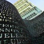 #USA > Un nouvel indice pour déchiffrer #Kryptos , la sculpture qui trône devant la #CIA http://t.co/n8bsKP7l8t http://t.co/my4otrHDpe
