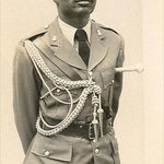 Lt. Akinsehinwa is the 1st ADC in Nigerian history to die protecting a Head of State.Died protecting Murtala in 1976 http://t.co/CVSDdPgnKE