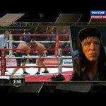 Микки Рурк в шапке ушанке наблюдает за боем Проводникова и Кастильо http://t.co/UKqyR6QjW8