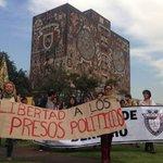 #Foto Piden libertad a presos políticos del #20NovMx en #CU http://t.co/c0vtCnh7fb