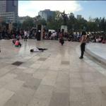 Artistas protestan por los 43 normalistas de #Ayotzinapa y detenidos del #20novMX http://t.co/eDUrYLzAR6 http://t.co/BNLsD3qF4h