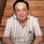 """#ÚltimaHora Muere Roberto Gómez Bolaños """"Chespirito"""" http://t.co/P0sXtUtVVV @ChespiritoRGB http://t.co/iiuA44s1yF"""