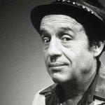 """""""@revista360: #ÚltimaHora Fallece Roberto Gómez Bolaños, """"Chespirito"""", a los 85 años de edad. http://t.co/amwd75Vkv8"""""""
