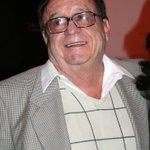 """""""@ElFinanciero_Mx@NTelevisa_com confirmó la muerte del comediante Roberto Gómez Bolaños #Chespirito (@ChespiritoRGB ) http://t.co/yU2OLfQOLR"""