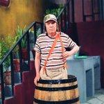 """GRACIAS Roberto Gomez Bolaños """"Chespirito"""", por llenar nuestras vida de Risas y mucha alegrías. ¡DESCANSA EN PAZ! http://t.co/PG2ldEu3EC"""